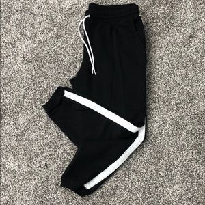 Drawstring joggers with side stripe